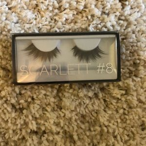 Huda Beauty Scarlett False Eyelashes